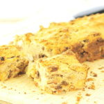 Grootmoeders Koolhydraatarme Appeltaart Cake met Noten