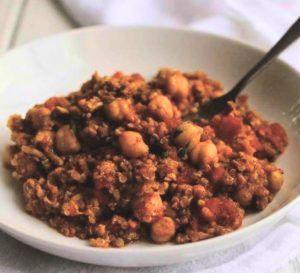 kalkoen en quinoa in Thaise-stijl op bord