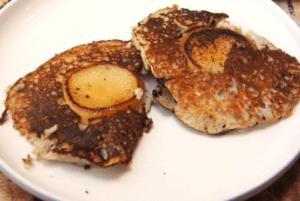 Paleo peer en bacon pannenkoeken