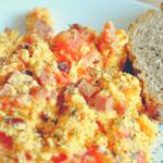 Roereiravage met champignons, tomaten en ham
