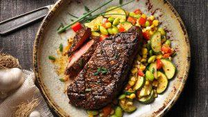 mager rundvlees op een bord