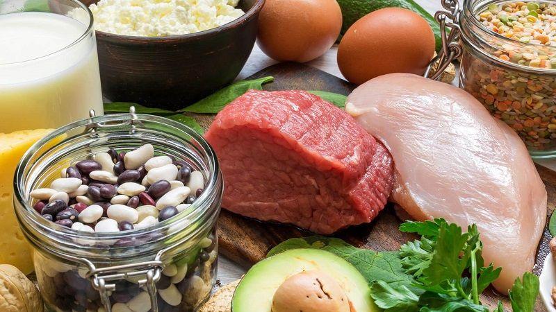 eten met veel eiwitten en koolhydraten
