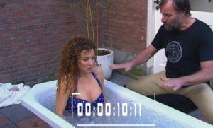 Katja Schuurman neemt een ijsbad bij Wim Hof