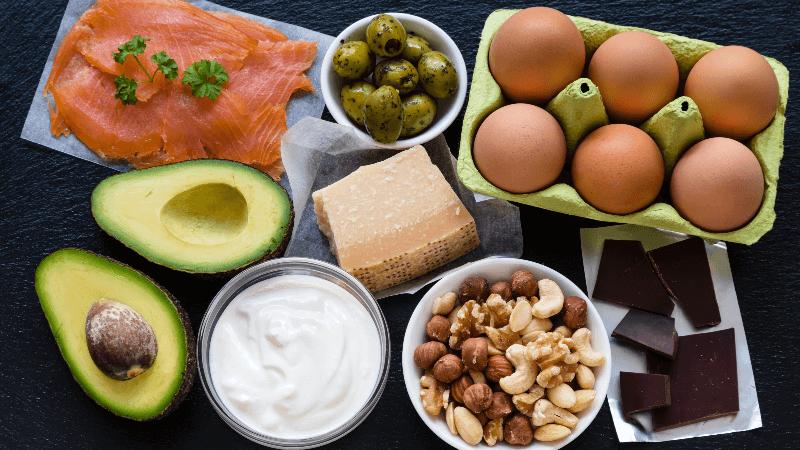 9 Heerlijke Keto Recepten (Ontbijt-Lunch-Diner) op een Rij
