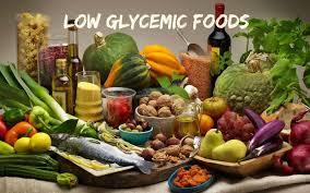 Voedingsmiddelen op tafel met een lage glycemische index