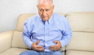 Homme souffrant des effets secondaires du métoprolol