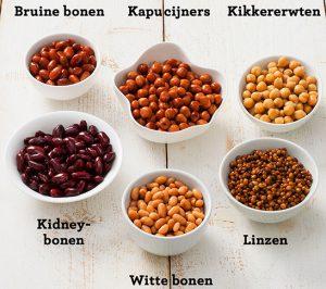 6 soorten peulvruchten op tafel