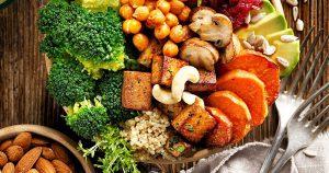 plantaardige voedingsmiddelen op tafel