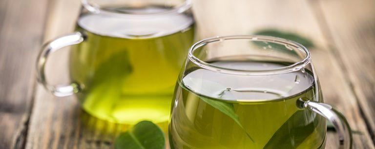 15 Bewezen Gezondheidsvoordelen van Groene Thee + 3 Variaties
