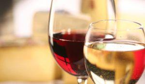 La teneur en glucides du vin peut varier légèrement en fonction de la variété de raisin et de la douceur du vin