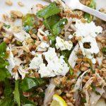 Creatief lunchen: Salade met komkommer, Kaas en Noten