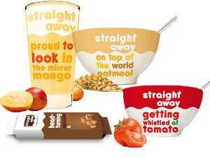 Straight away voedingsproducten tentoongesteld met witte achtergrond