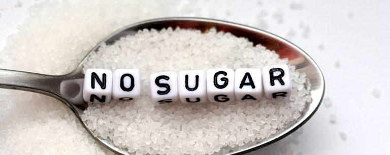 8 Essentiële Tips om Suikervrij te Eten + 3 Recepten en Schema