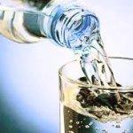 Hoeveel Water Drinken Per Dag Is Optimaal (om Af te Vallen)?
